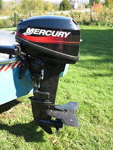 Moteur hors-bord Mercury 6Hp