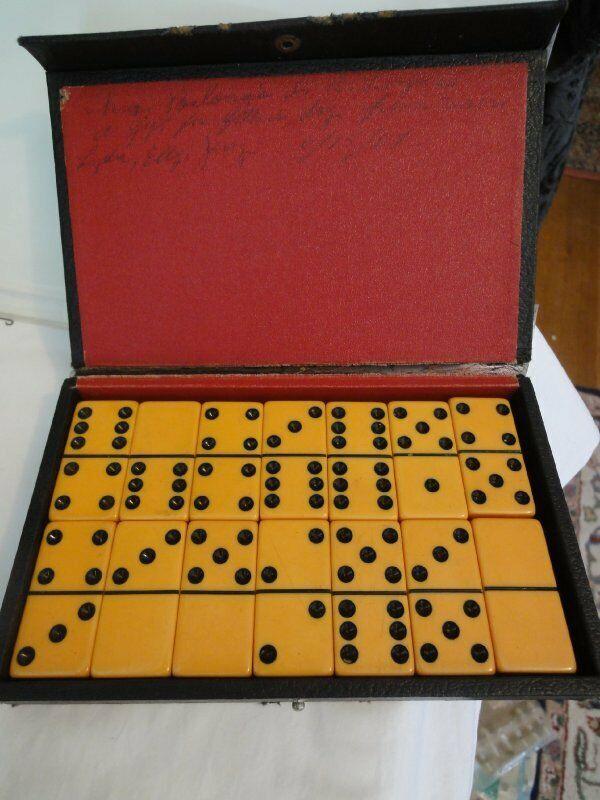 Vtg Full Set Butterscotch Bakelite Dominoes Pre-1950s 28 Pieces Double Six