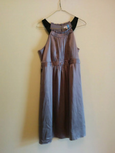 Designer maternity dresses medium