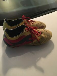 Puma Cleats boys size 7