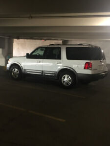 2004 Ford Expedition XLT Sport, it's a one owner vehicle, steal!
