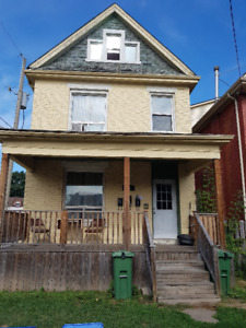 Gorgeous 1 Bedroom Apartment in Hamilton!! WILL NOT LAST!!!