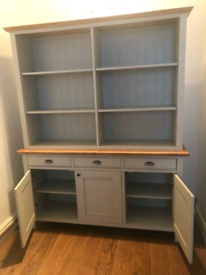 Padstow 3 door sideboard M&S colour Putty 3 years old slight paint dam
