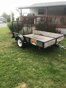 2014 Trailer  5x8 with drop gate