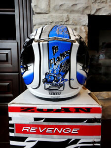 Zoan Revenge Helmet Size XS Blue Flame w/4 Visors Incl.Brand New Kitchener / Waterloo Kitchener Area image 6