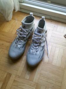Adidas Ace 17 soccer cleats size 9 Us.