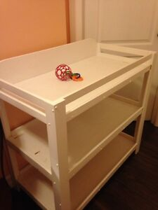 Big white chAnging table