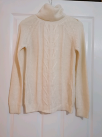 Cream knitted jumper with gold button detail - size 8-10
