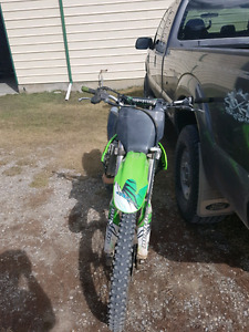 Selling bike i got a side bu side