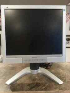 "Philips 170B7CS - LCD monitor - 17"" with built-in Speakers"