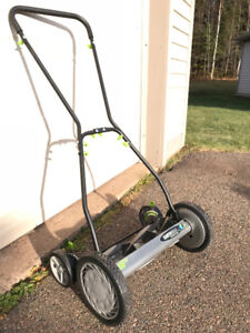 """18"""" Push lawnmower. Used only one season. Moving sale!"""