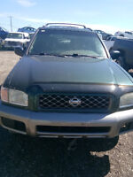 2000 Nissan Pathfinder Buy complete or buy for parts Calgary Alberta Preview