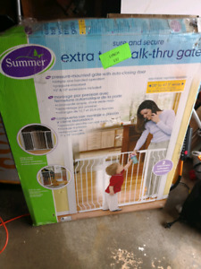 baby safe gate very Good condition