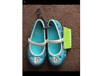 Disney Frozen Crocs Brand New Size 11/12