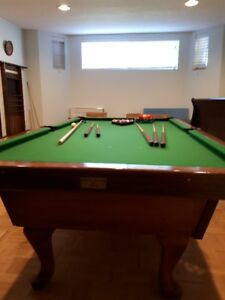 Pool Table FOR SALE ** $200 ** 4x8 **