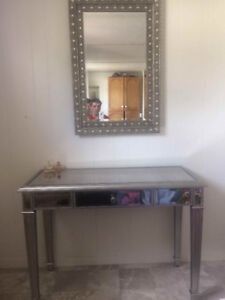 Mirror and Make-up Table