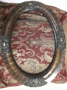 ANTIQUE WOOD AND PLASTER FRAME - NO GLASS