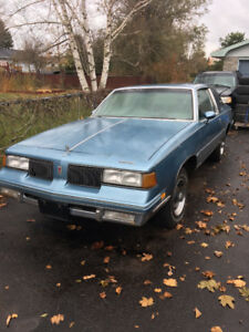 1987 Cutlass Supreme Coupe, comes with 307 V8 to install