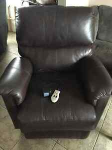 Leather recliner dark chocolate as messager and heat Kitchener / Waterloo Kitchener Area image 1