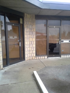 1600 sqf Too 2000 sqf Office or Business space for rent Blenheim