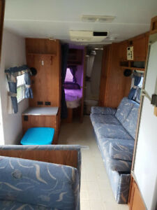 1998 Trail lite travel trailer 25 feet