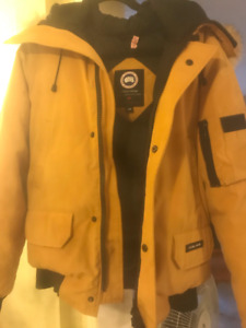 Selling a Canada Goose Chilliwack Bomber Small Maize