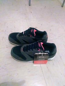 Women's Safety Shoes. Size 9.