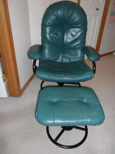 Swivel, recliner chair & Ottoman.$125. No rips. Smoke/pet free h