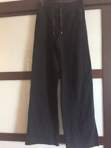 Women's Lululemon pants size 4