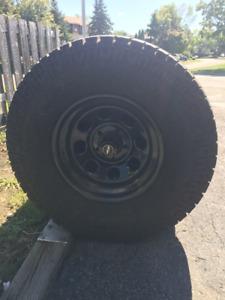 Pro Comp mud tires LT285 /75 R 16   une saison d'usure
