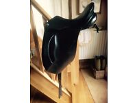 Barnsby black dressage/show saddle 17""