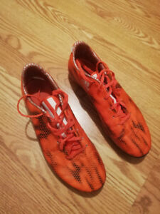 Soccer Cleats size US9
