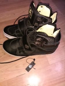 Brand new size 10 mens vlado footwear