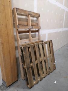 Palettes de bois à donner
