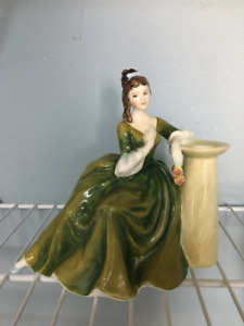 Royal Doulton Figurine - SECRET THOUGHTS - H.N. 2382