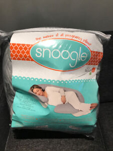 Coussin de grossesse snoogle/ Snoogle body pillow