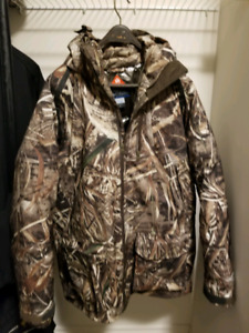 Mens Like New Colimbia PHG jacket with 650TD XL