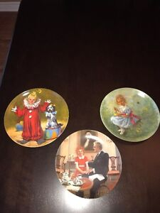 """""""Tommy The Clown"""", Little Miss Muffet & Annie """"Tomorrow"""" Plates"""