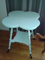CLOVER LEAF ANTIQUE TABLE