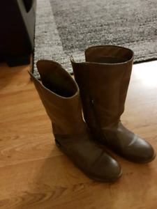 Fall boots girls size 1