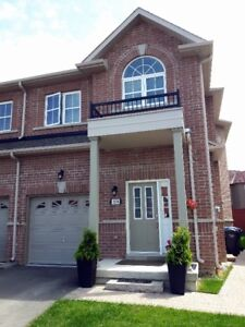 Amazing family house in Lisgar for sale