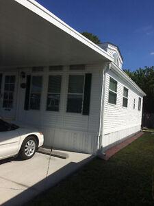 """Maison """"Park Model"""" à vendre  en Floride !!! 24'X35'"""