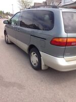 Selling Toyota Sienna XLE