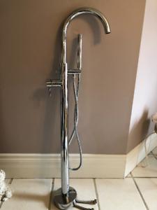 robinet de bain autoportant