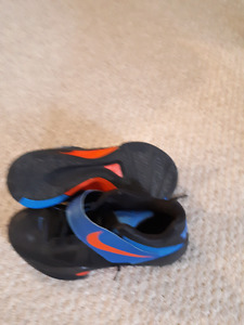Nike kd4 basketball shoes size 8.5