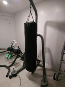 Sac be boxe avec support - punching bag with stand