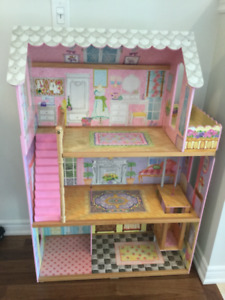 Kidcraft Dollhouse No accessories Used Condition