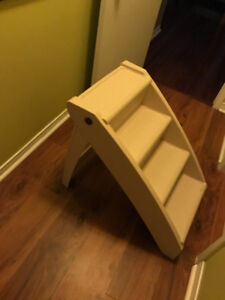 ANIMAL STAIRS FOR BED OR TO HIGHER AREA