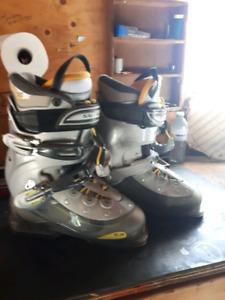 womans ski boots