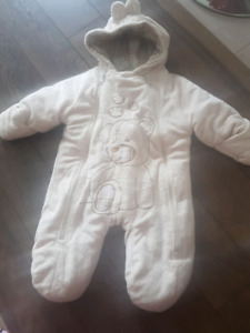 Baby high quality bunting suit 0-9 months EUC